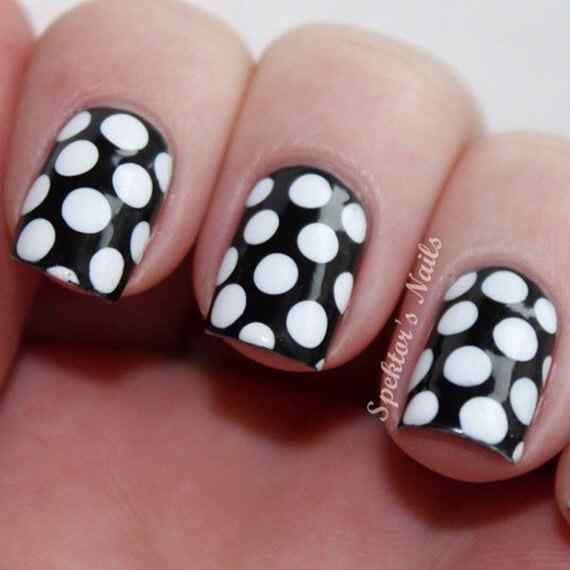 Black-and-White-Polka-Dot-Nails