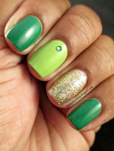 Green nails photos (12)