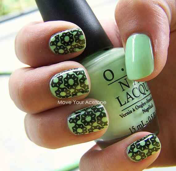 Green nails photos (17)