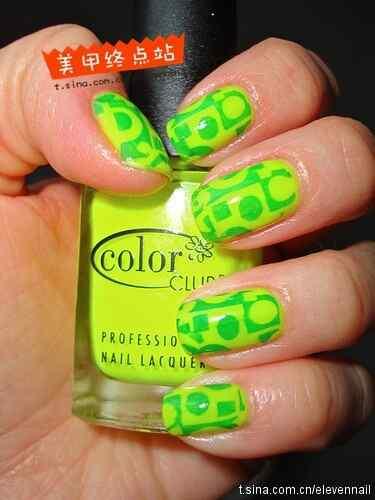 Green nails photos (2)