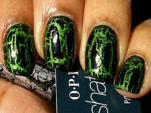 Green nails photos (5)