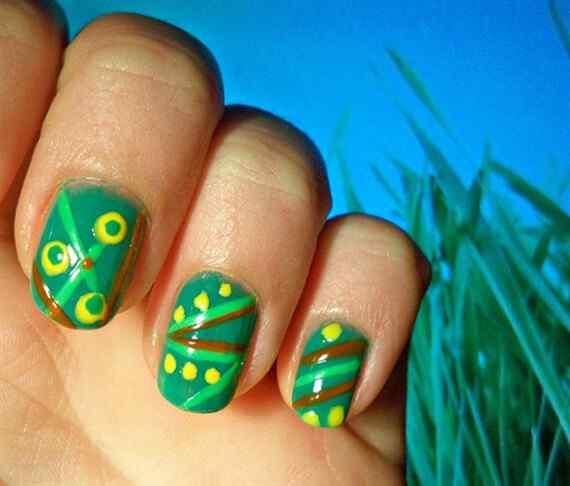 Green nails photos (6)
