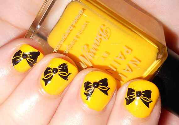 Yellow Nails - Unas amarillas (25)