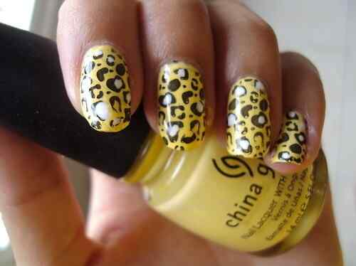 Yellow Nails - Unas amarillas (30)