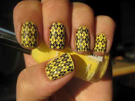 Yellow Nails - Unas amarillas (42)