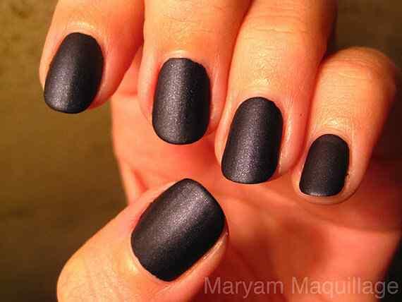 matte_black_nail_polish