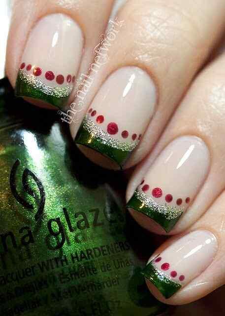 Green nails photos (10)