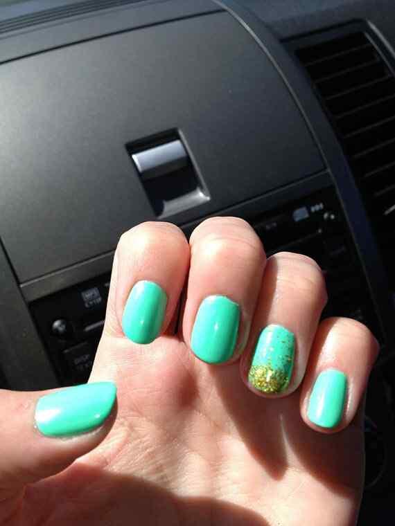 Green nails photos (19)