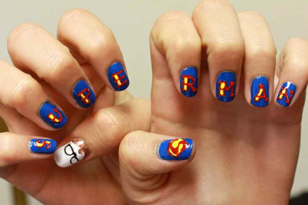 decorar unas de superman