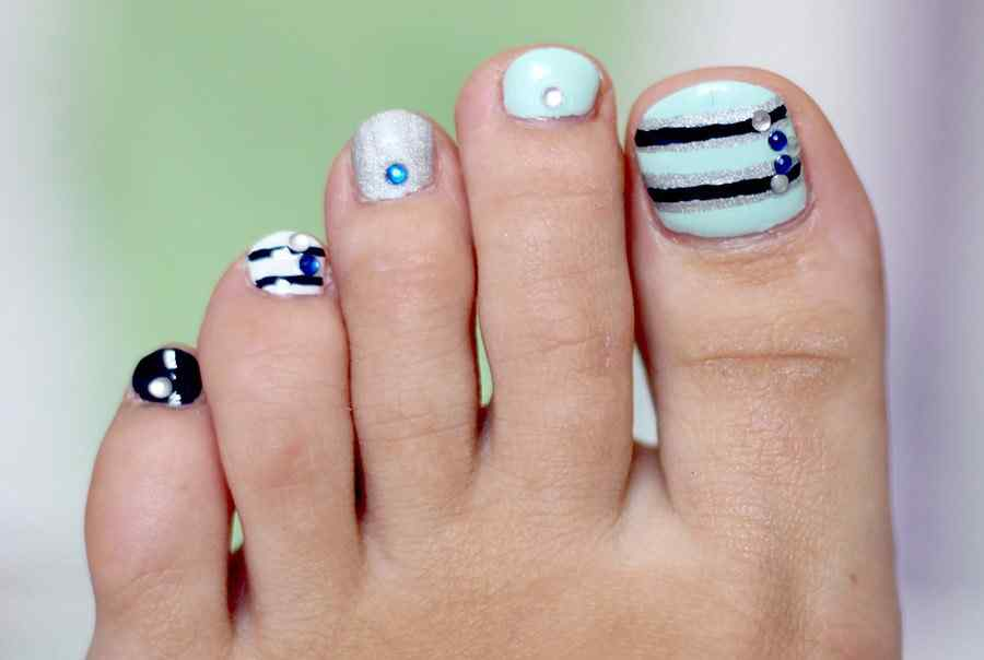 M s de 40 fotos de u as decoradas para pies foot nails for Decoracion unas en pies