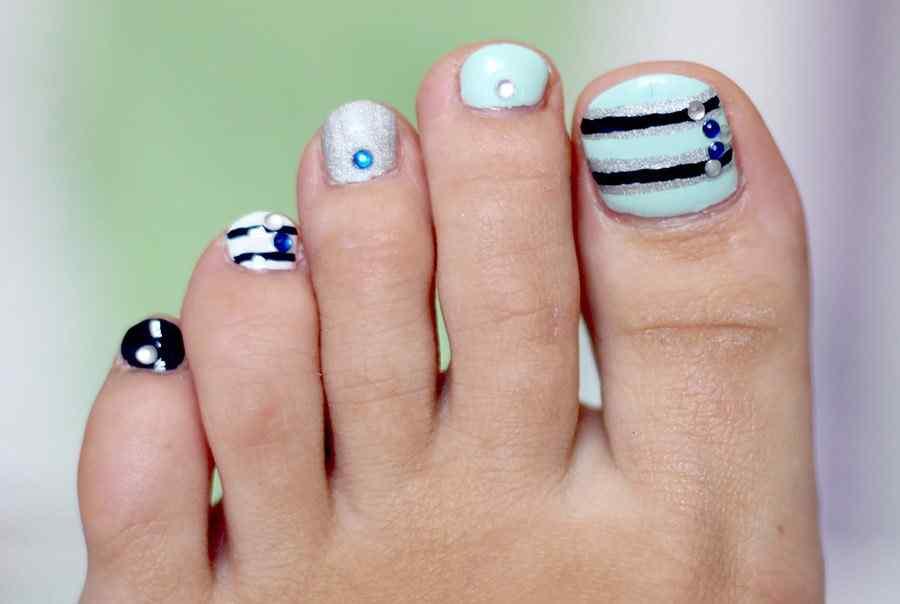 M s de 40 fotos de u as decoradas para pies foot nails for Decoracion de unas de pies