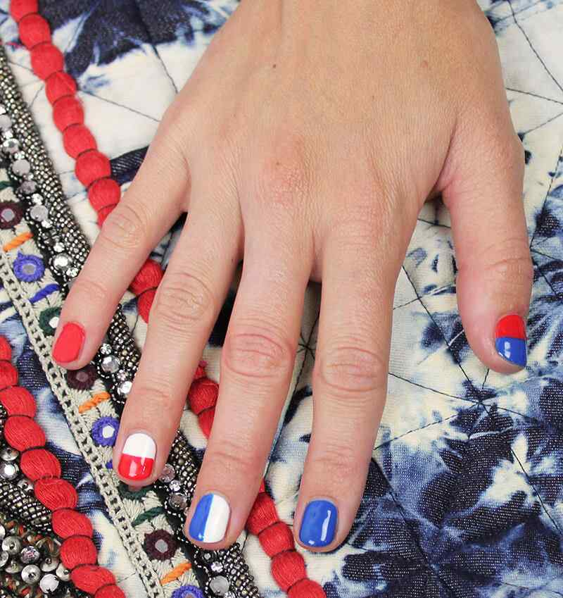 Fourth-of-July-Nails-(8)