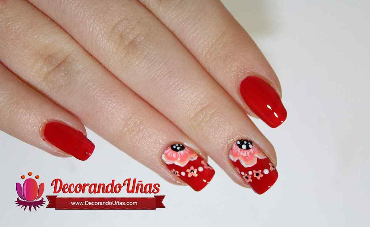 decoracion-unas-rojas-con-flores