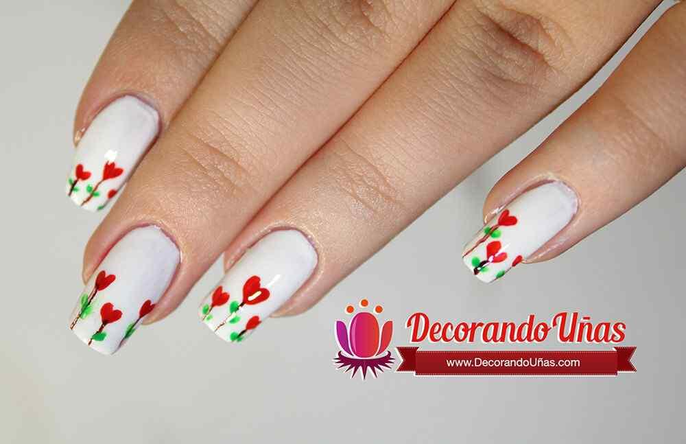 unas-decoradas-corazones-florales-2016