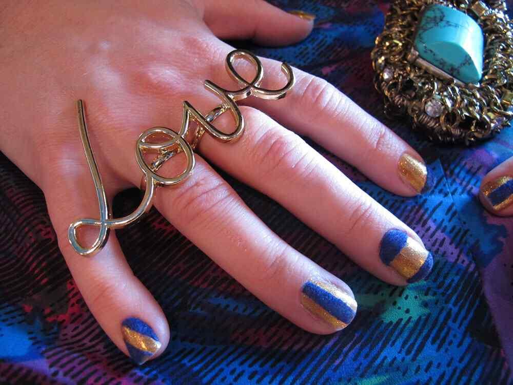 velvet nails (2)
