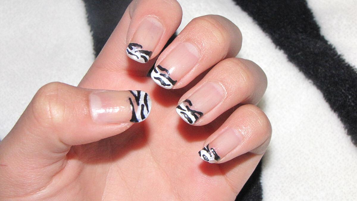 invert-french-nail-art