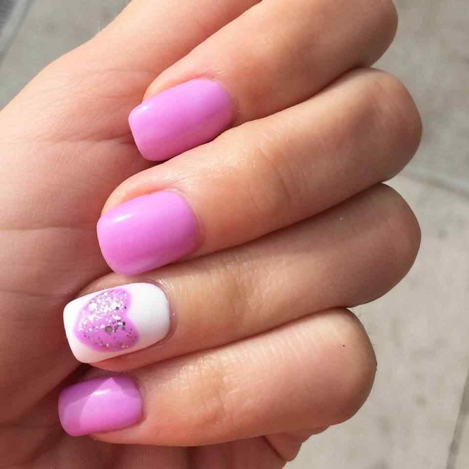 unas pintadas con corazones nail art (1)