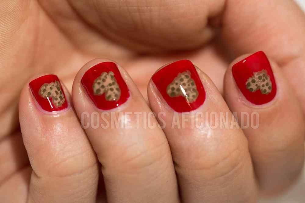 unas pintadas con corazones nail art (7)