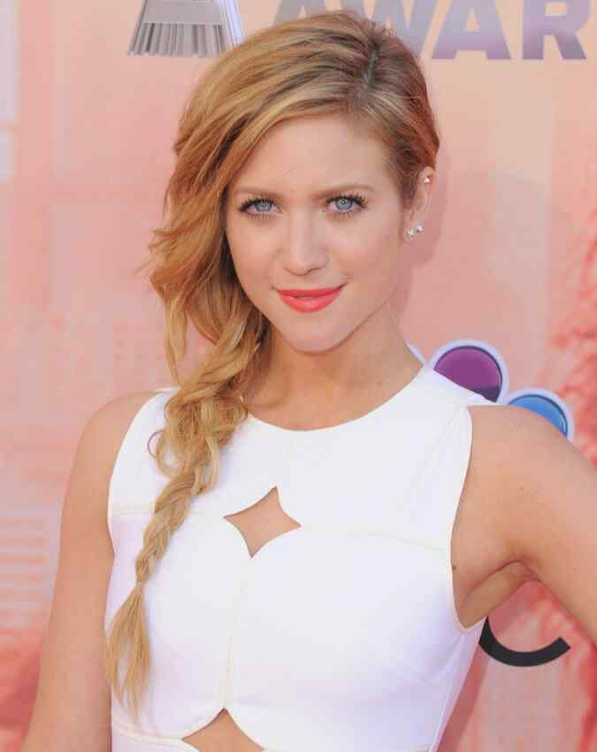 Brittany-Snow-hairstyle