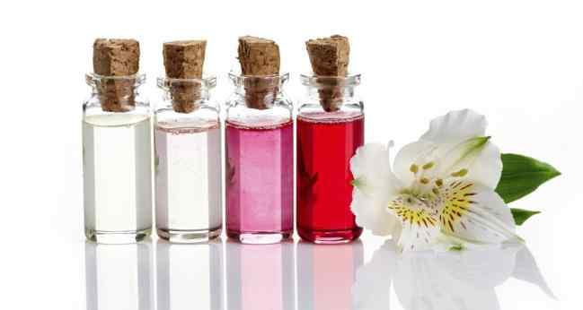 Los-5-mejores-aceites-esenciales-para-cosmetica-1