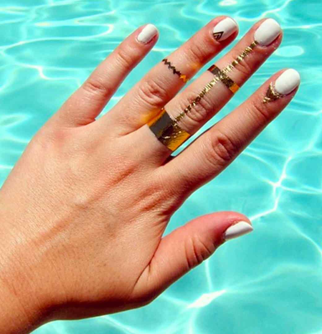 cuticle tattoo nail art (1)