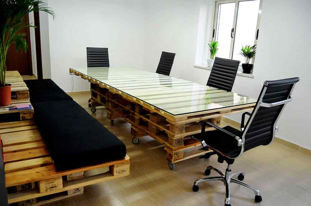 mesa-de-oficina-con-palet