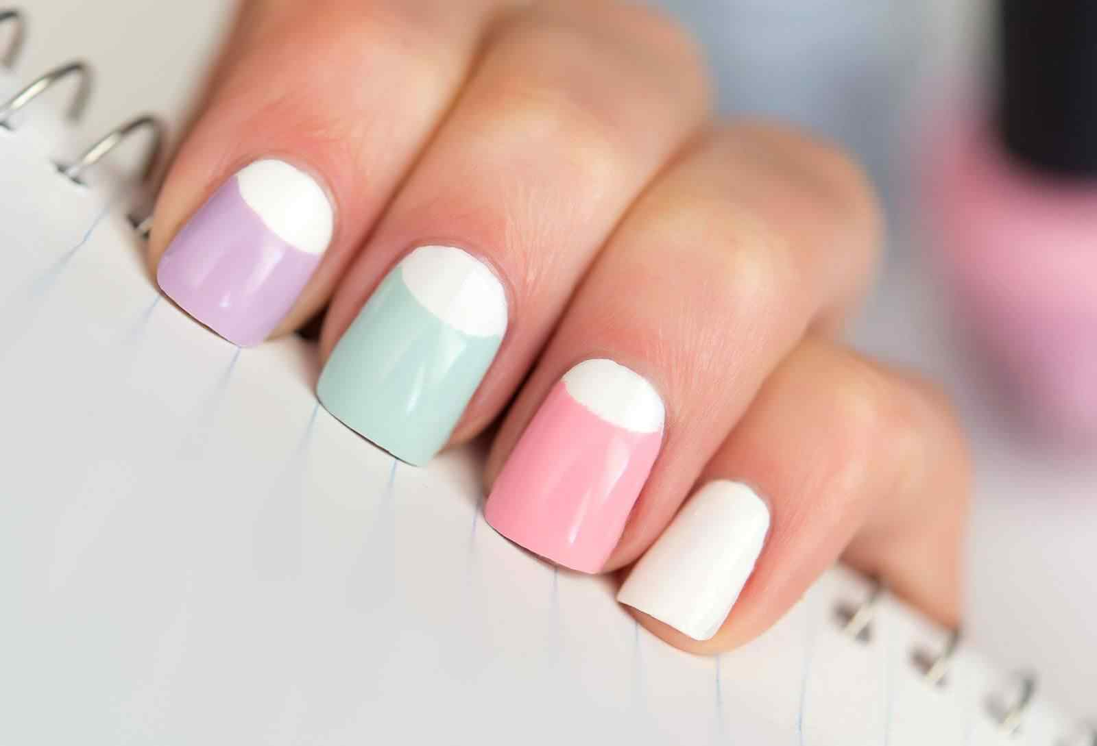 Fuente: http://fashionfuz.com/nails/cute-pastel-nails-design/attachment/1998/