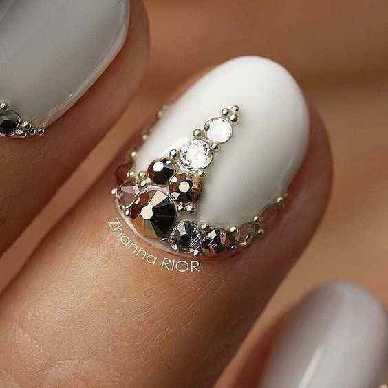uñas blancas para fiestas