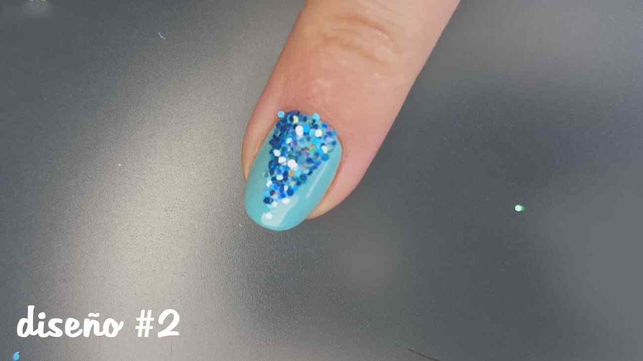 diseño de uñas confeti