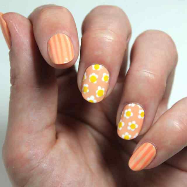 unas faciles decoradas con flores naranja