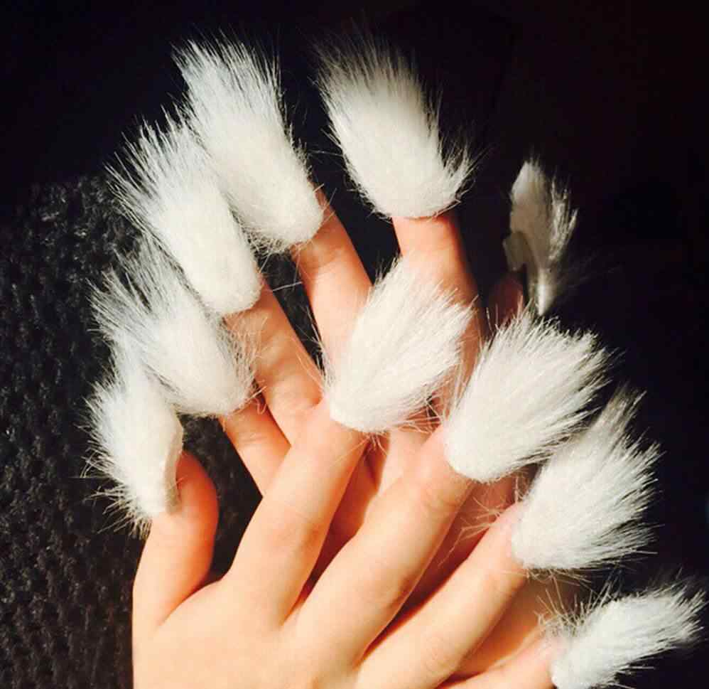 furry nails