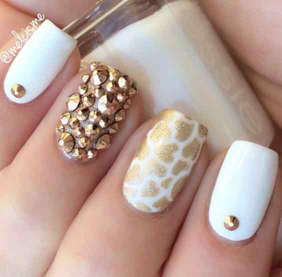 ideas de uñas color blanco