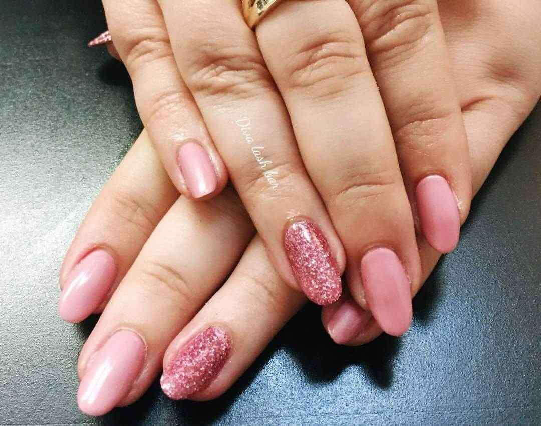 uñas decoradas color rosa