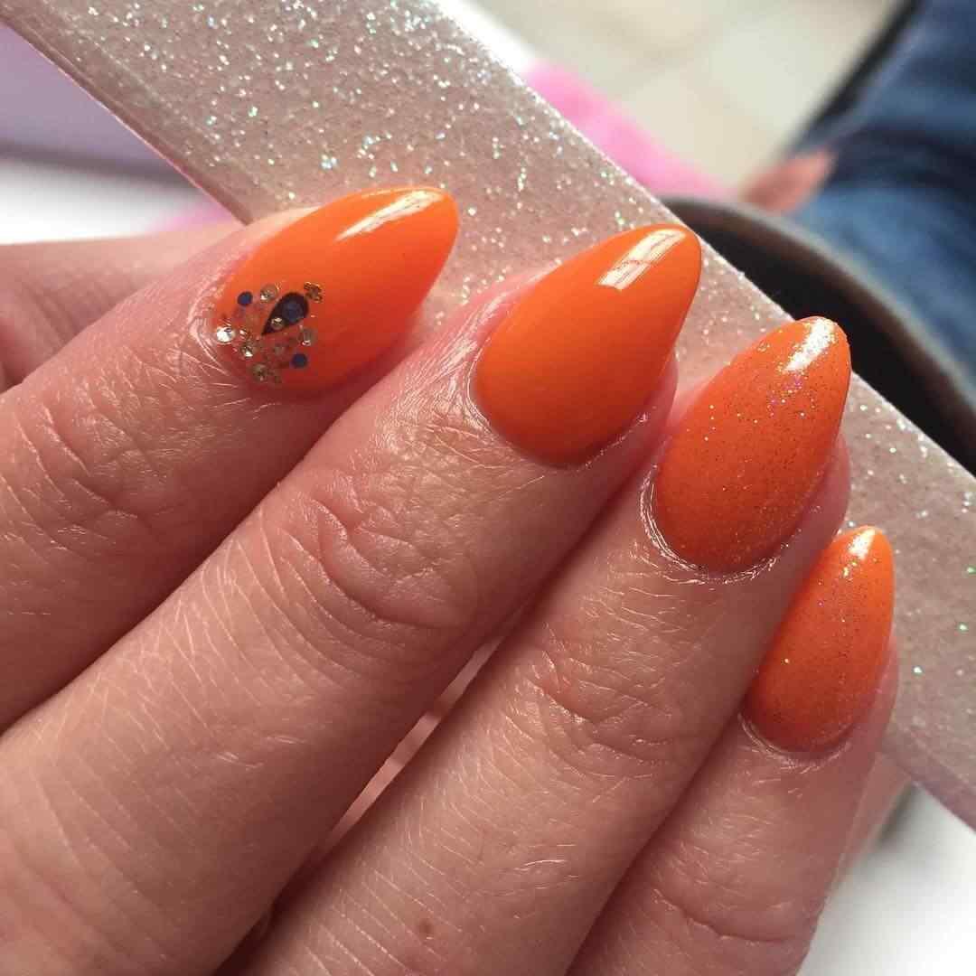 uñas naranja simples