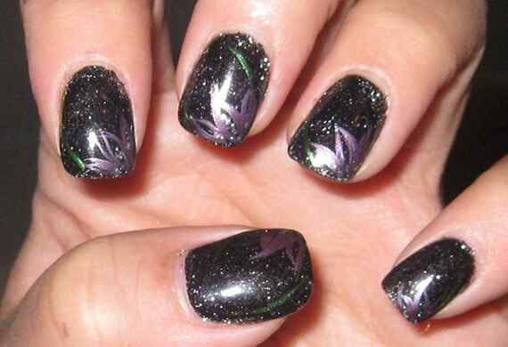 Black-Nail-Polish-Designs