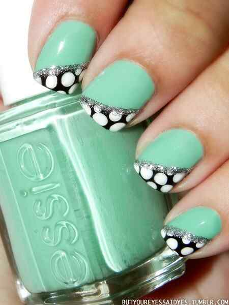 Uñas decoradas color verde