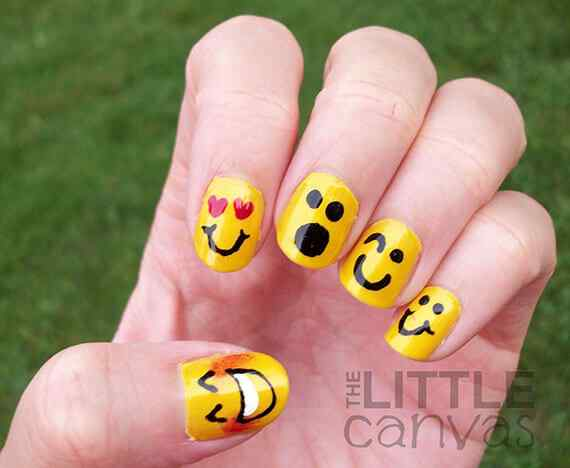 Yellow Nails - Unas amarillas (22)