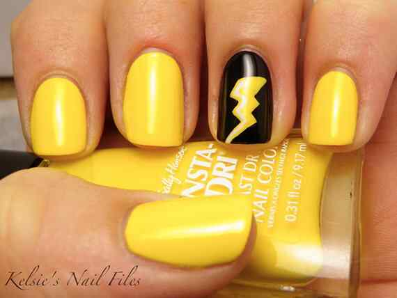 Yellow Nails - Unas amarillas (32)