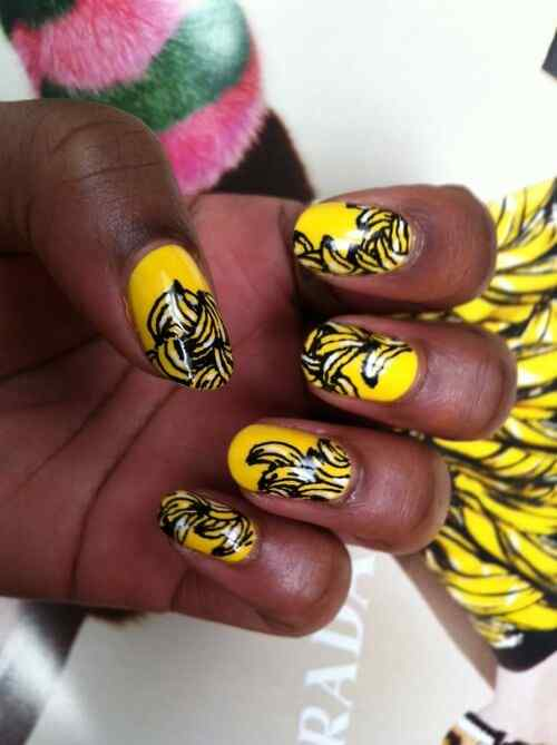 Yellow Nails - Unas amarillas (38)