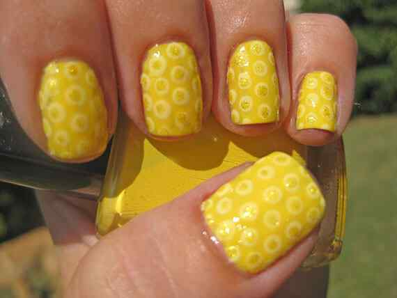 Yellow Nails - Unas amarillas (39)