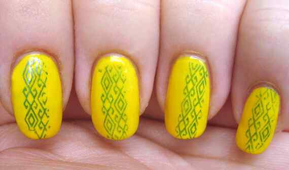 Yellow Nails - Unas amarillas (41)