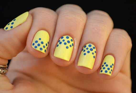 Yellow Nails - Unas amarillas (55)