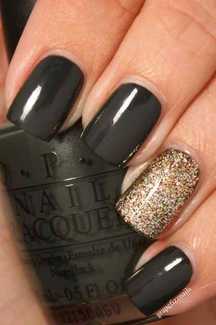 black-nails-multicolor-glitter-accent