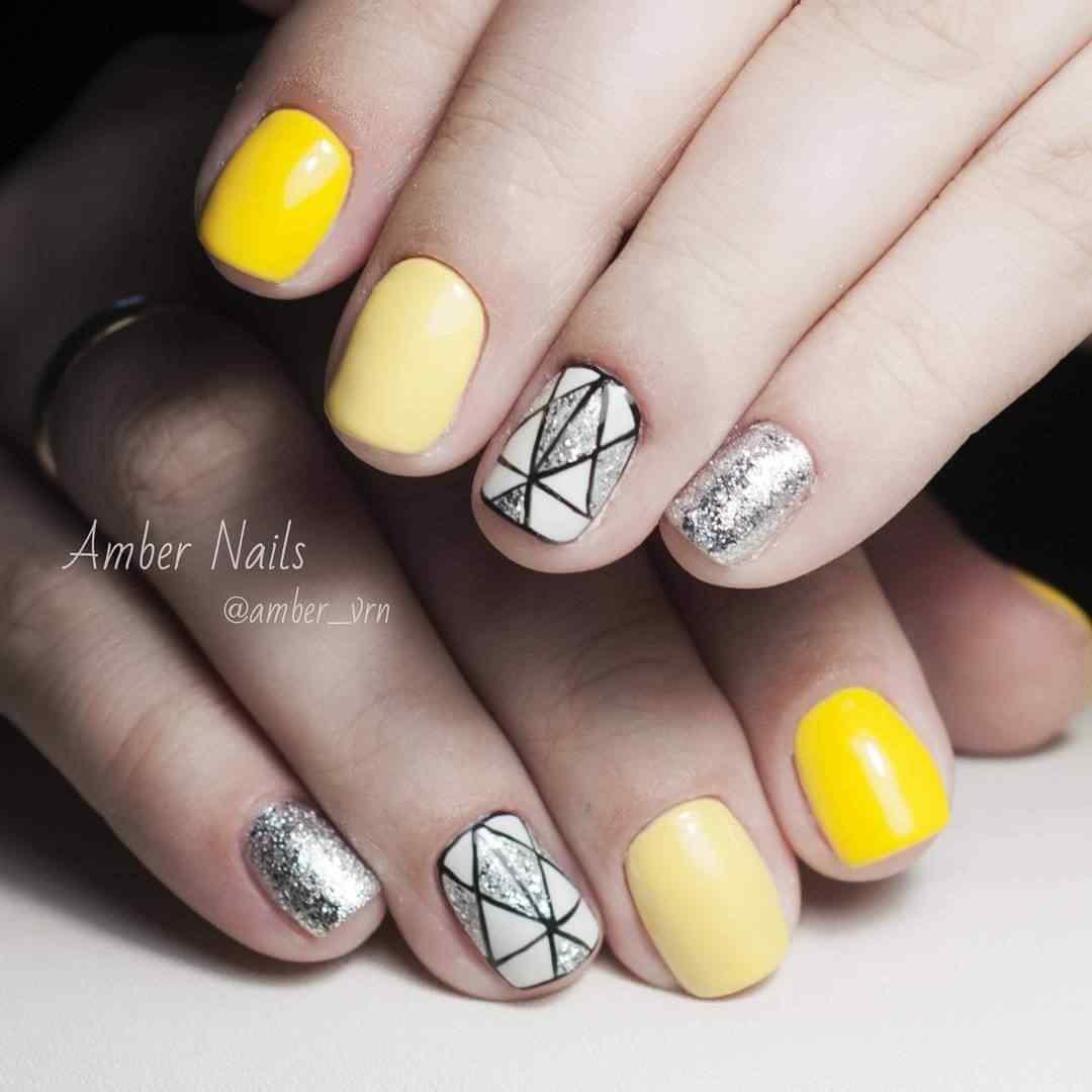 combinacion en amarillo negro y plateado