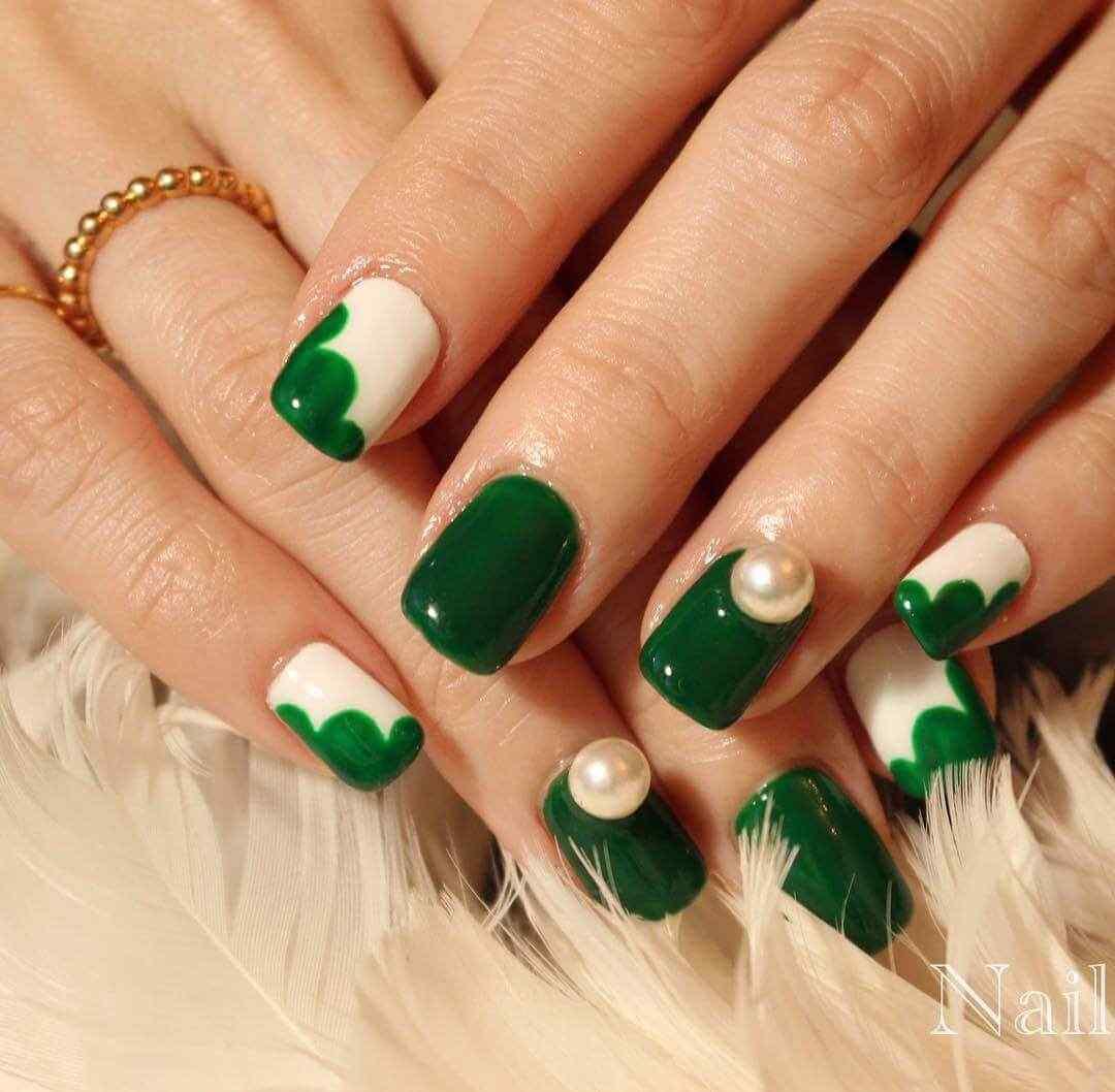 diseños de uñas verdes