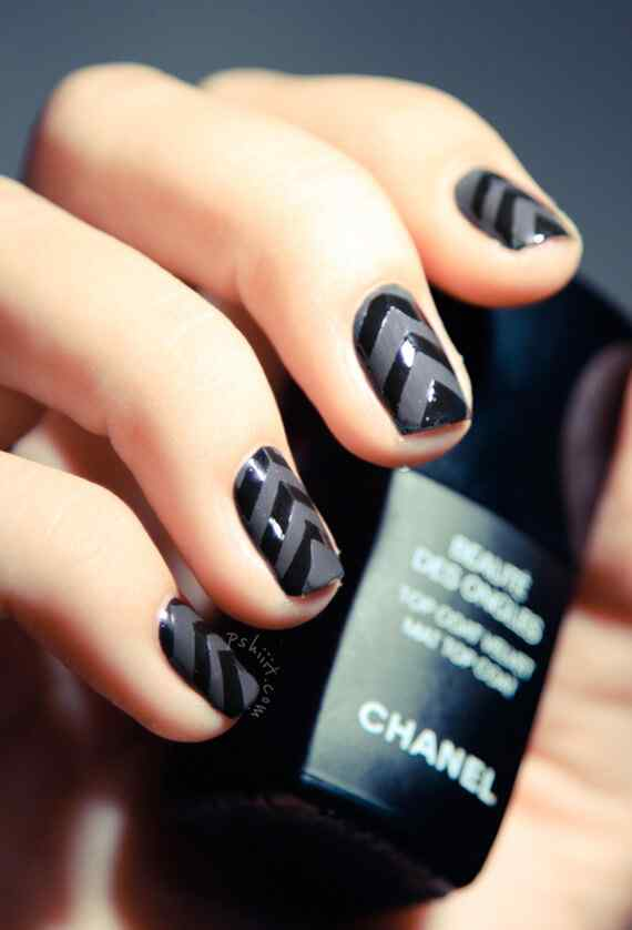 shiny-matte-black-chevron-nails