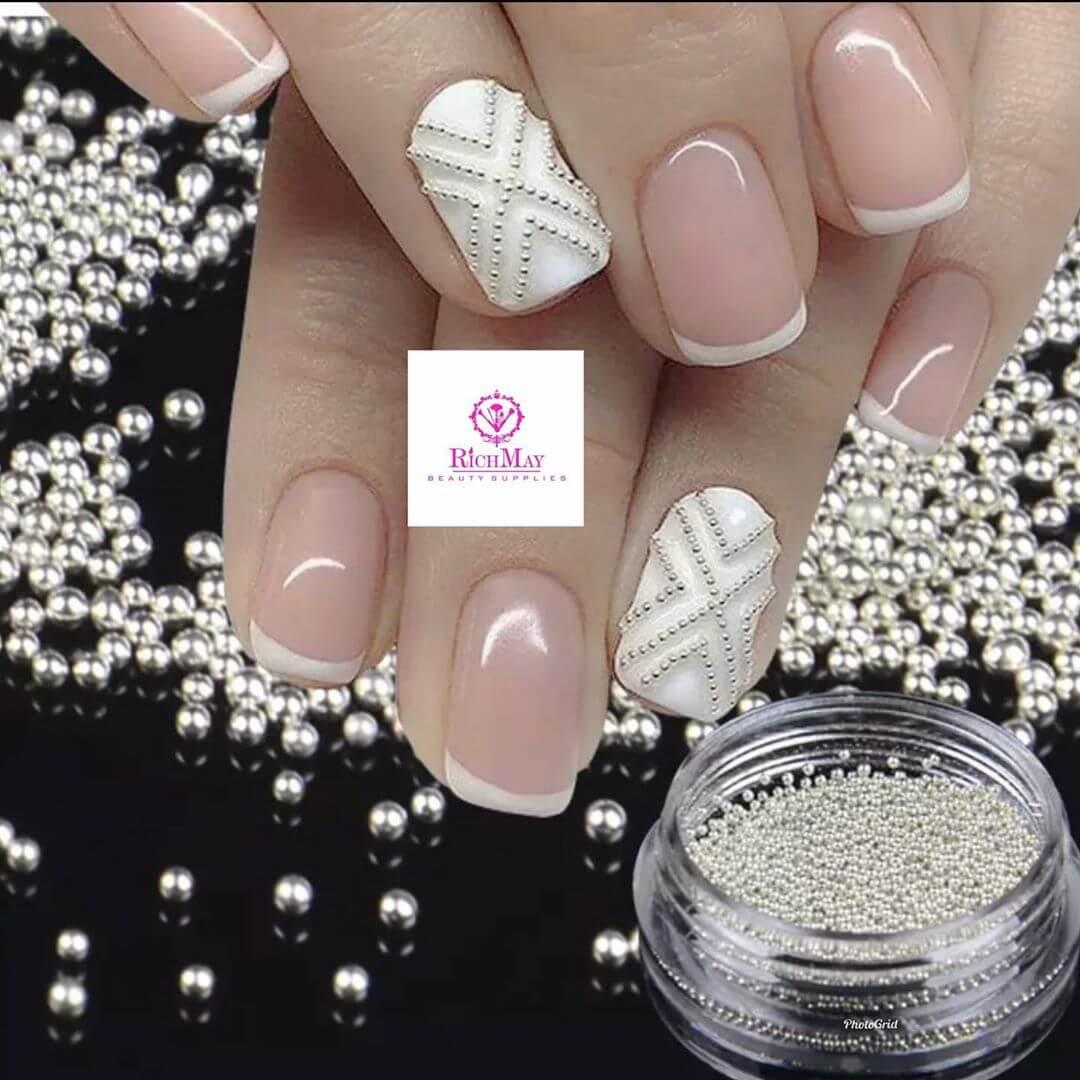uñas caviar perlas