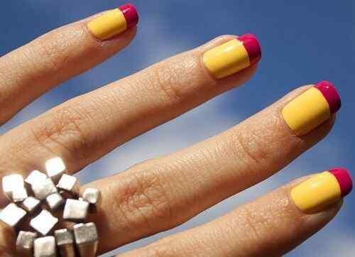 uñas amarillas francesa rosa