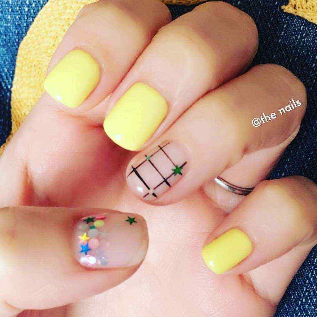 uñas amarillas para jovencitas