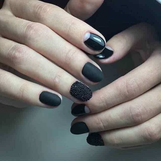 uñas caviar negras